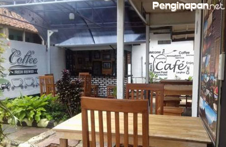 ADK Homestay, Cafe, and Resto - www.booking.com