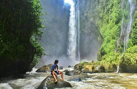 Air Terjun Langkuik Tinggi - explorewisata.com