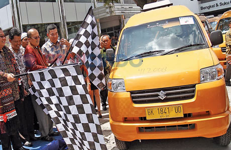 Armada angkutan umum KPUM (sumber: sindonews.com)