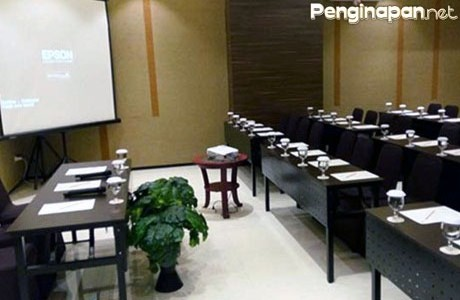 Business Center Gets Hotel Malang, Canary Meeting Room