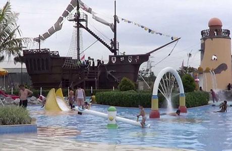Columbus Waterpark Bekasi - Ivan Kurniawan