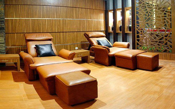 Kursi-kursi terapi di Graha Spa Surabaya (sumber: graha-group.com)