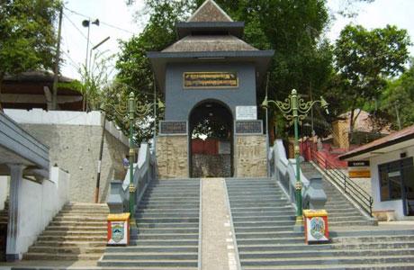 Gunung Kawi - malang.merdeka.com