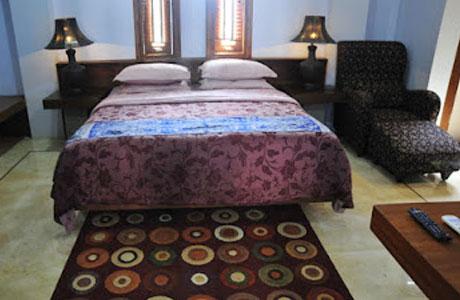 Hotel Cibiru Indah - regnodelfines.blogspot.com