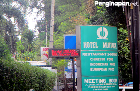 Hotel, Penginapan, Akomodasi, Alamat, Hotel Mutiara, Fasilitas, Wisata Malang, Reservasi, Telepon, Hotel Murah, bandara, kamar, akomodasi