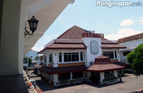 Hotel Pelangi, Kota Malang, sejarah, Kolonial, Fasilitas, tarif, alamat, angkutan umum, lokasi, lokasi strategis, pusat kota, email, telepon, reservasi, kamar