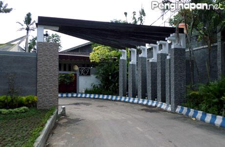 Hotel, Akomodasi Murah, penginapan, Kota Malang, Jawa Timur, Reservasi, Booking, Fasilitas, Tipe Kamar, Tarif, sanan, goedang oleh-oleh, bandara, stasiun