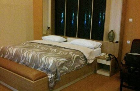 Kencana Hotel - www.pegipegi.com