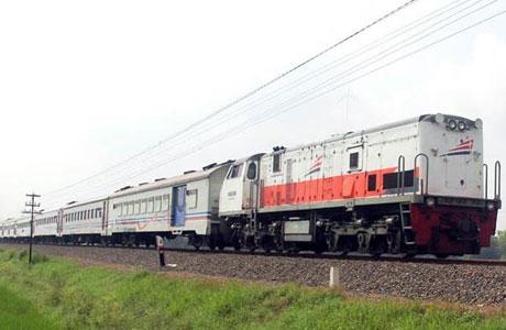 Kereta Api Malang - suryamalang.tribunnews.com