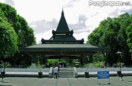 Makam Bung Karno Blitar - www.tempat.co.id