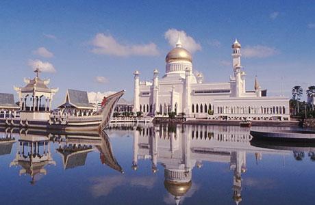 Masjid Sultan Omar Ali Saifuddin - khazanah.republika.co.id