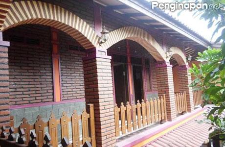 Tampilan Arsitektur yang Unik di Omah Wetan Homestay