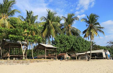 Pantai Cibeureum - www.travelerien.com