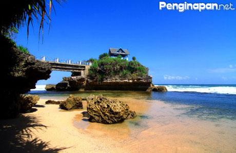 Pantai Kukup - wisatanesia.co