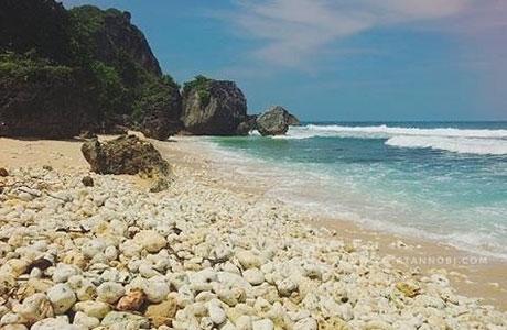 Pantai Pringjono - @infojogja