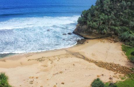 Pantai Pringjono - @WonogiriExplore