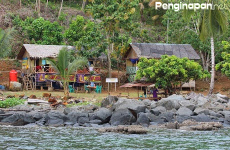 Penginapan Pulau Lemukutan - wisataalamkalbar.blogspot.com