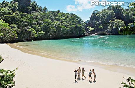 Pulau Sempu Malang - (Sumber: tempat.co.id)