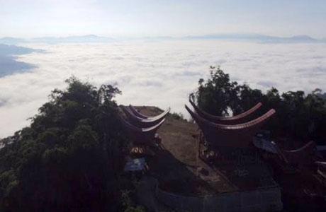 Puncak Lolai Toraja - www.arsy.co.id