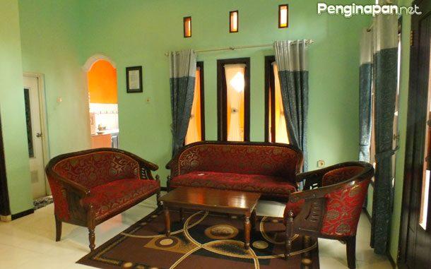 Ruang tamu Rania Homestay Batu