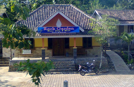 Rock Garden Homestay & Resto - www.booking.com