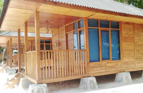 Penginapan di Pulau Sirandah Room Cottage Kayu - www.wisatapulausumbar.com