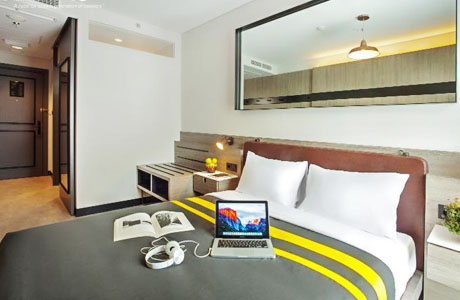 Rooms Inc Hotel Pemuda - www.traveloka.com
