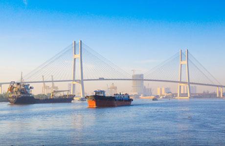 Saigon River - www.vietnam-guide.com