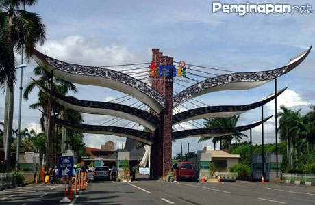 Taman Mini Indonesia Indah (TMII) - www.pedomanwisata.com
