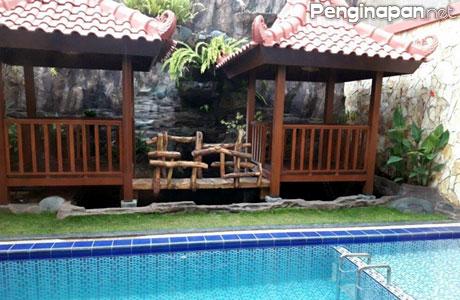 kompleks villa kusuma estate, jalan Abdul Ghani Atas, Kota Batu, Jawa Timur, Lokasi, Alamat, Fasilitas, Tarif, Favorit, Booking, Reservasi, Kamar, Kapasitas, Biaya