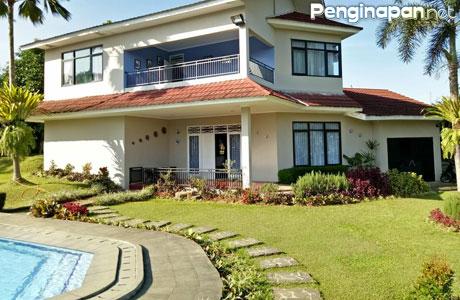 Villa Tapos Keluarga Dengan Fasilitas Kolam Renang Di Cileungsi Bogor