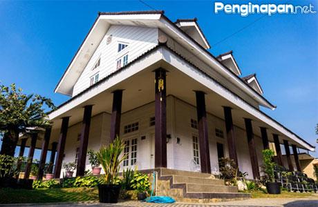 Villa, Akomodasi, Penginapan, Hotel, Mewah, Desain, American, Klasik, Kota Batu, Jawa Timur, Gunung Arjuno, Pemandangan, Biaya, Tarif, Fasilitas, Lokasi, Alamat, Telepon, Reservasi, Booking, Telepon