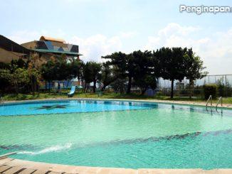 Fasilitas kolam renang Hotel Surya Indah