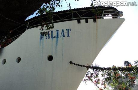 Vila, kapal, paliat, tretes, pegunungan, omah, hen menaro, the pek siong, pelayaran, villa, surabaya,