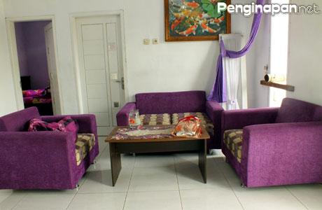 Ruang tamu di Rania Homestay