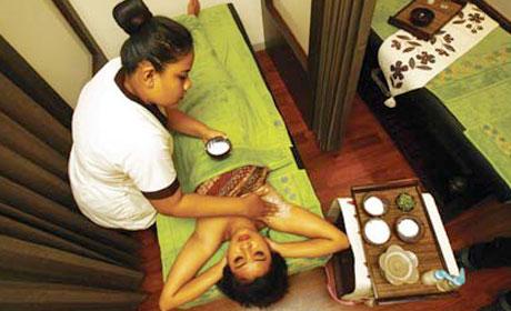 Salah satu perawatan ketiak yang kini menjadi tren para perempuan Surabaya.